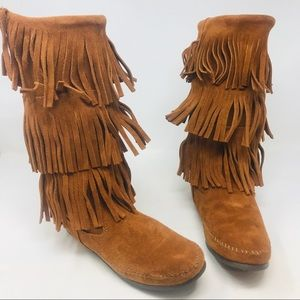 Minnetonka Brown Suede Fringe Moccasin Boots